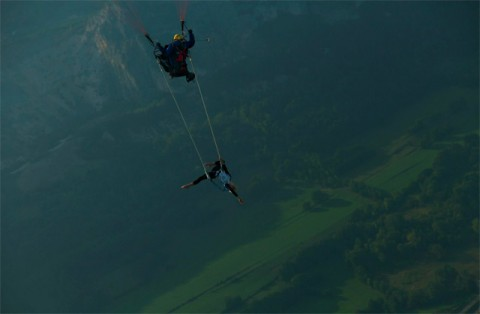 when a paragliding pilot meets a circus girl in the air...
