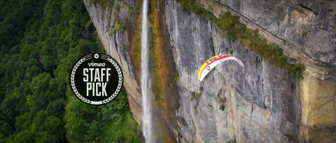 Théo de Blic welcomes you to a unique experience: The Sounds of Paragliding.